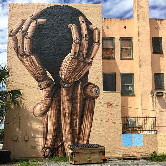 a nyilvános teret kihasználó formátumban történő művészeti alkotás lehetővé teszi az egyébként jogfosztottnak érző művészek számára